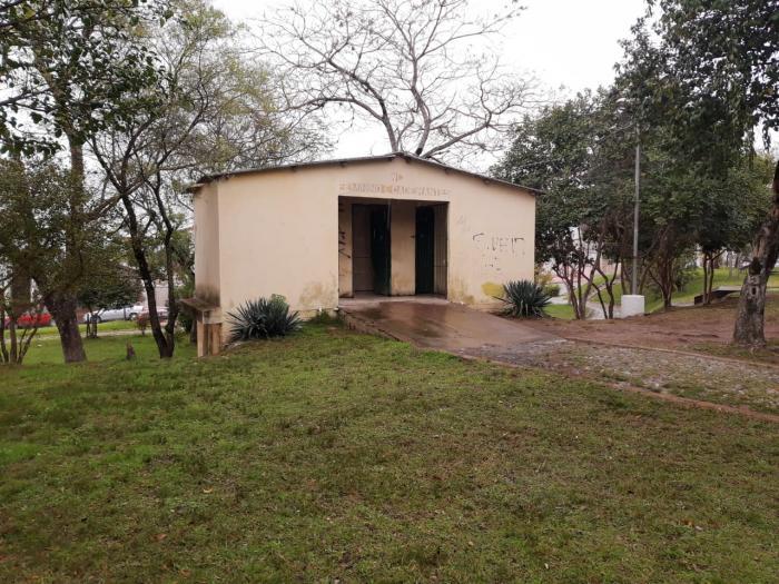 Vereador solicita reforma dos banheiros públicos do município