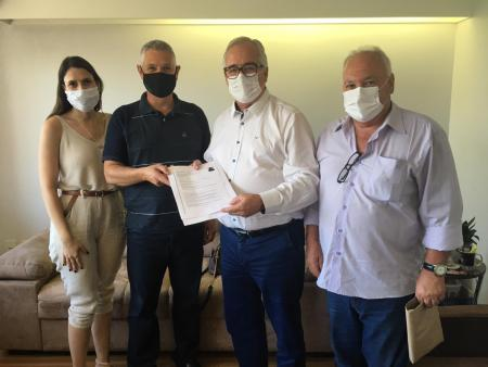 Vereador Silvio busca recursos para infraestrutura e saúde no município