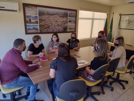 Comissão se reúne com secretária para tratar assuntos referentes a saúde