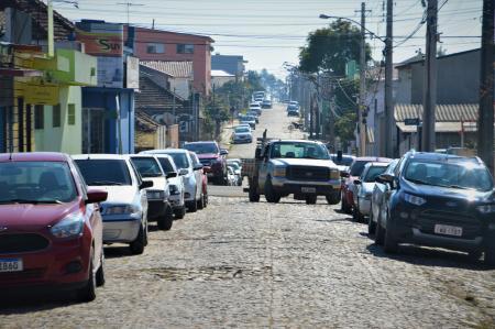 Vereador Marco Vivian solicita providências quanto ao estacionamento na Rua Riachuelo