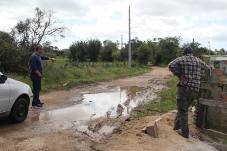 Vereador Marco Vivian fiscaliza estrada do Patronato