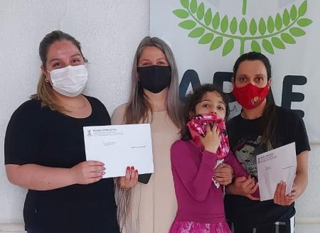 Vereadora concede moção de aplausos a profissionais da APAE