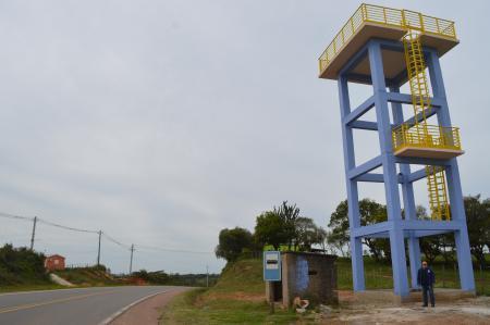 Vereador fiscaliza obra de caixa d'agua na região do Alto da Meia Légua