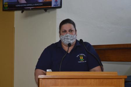 Vereadora solicita placas de sinalização próximo a Escola nas Minas do Camaquã